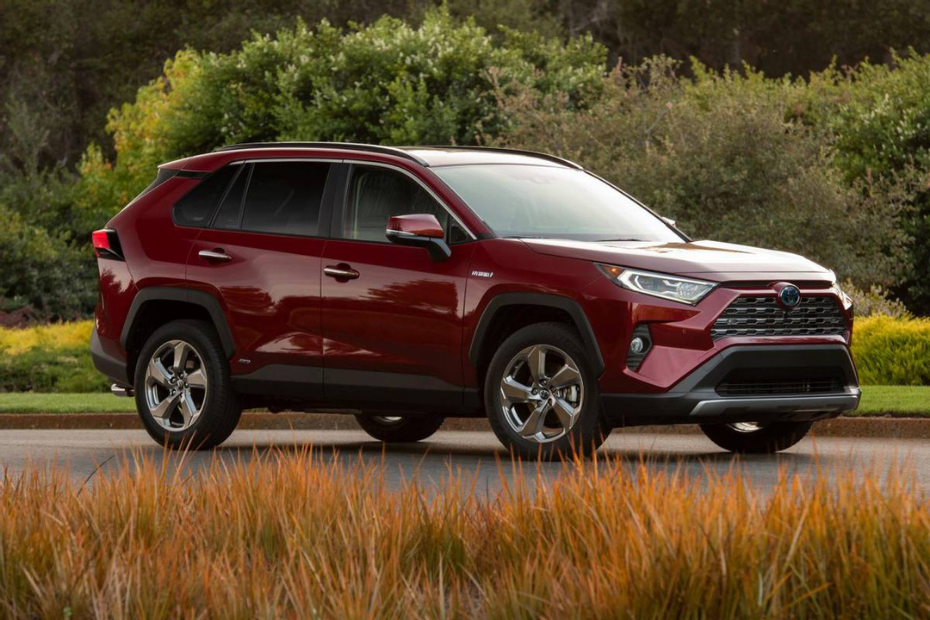 Toyota's RAV4 is Canada's Favourite Compact SUV For A Reason
